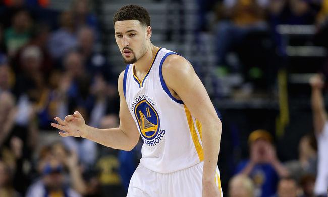 NBA: Soha nem dobtak ennyi hárompontost, újabb Warriors-rekord