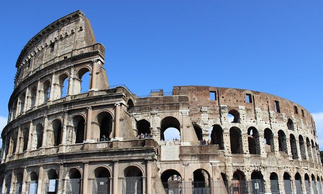 Katonák védik a múzeumokat Olaszországban