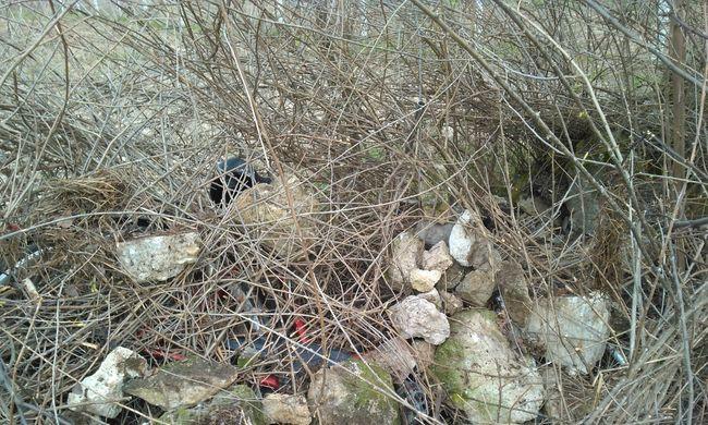 Kövekkel álcázta a lopott biciklit