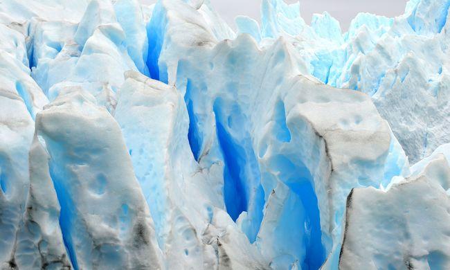 Gleccserek jegét viszik az Antarktiszra, hogy ott őrizzék meg