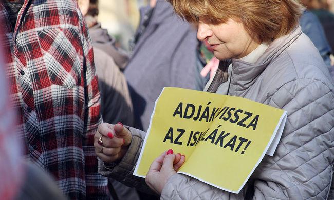 Újabb polgári engedetlenségi mozgalmat hirdettek az oktatásban