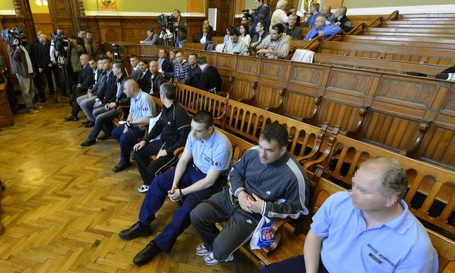 Bundabotrány: 15 embert ítéltek el