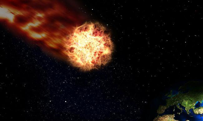 Ismeretlen tárgyak csapódtak a földbe, a titokzatos jelenség hatalmas tüzet okozott