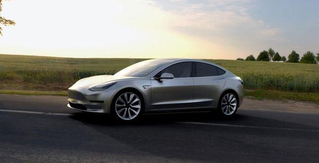 Tesla Model 3: eladva!