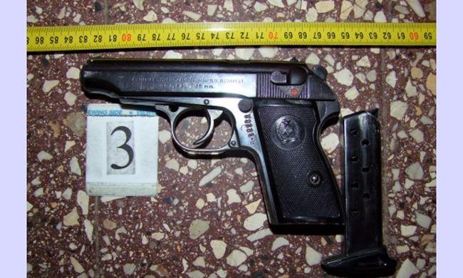 Fegyvereket találtak egy zalaszentgróti férfinél