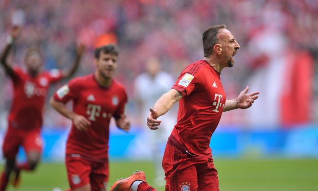 Ribéry csodagóljával nyert a Bayern, Huszti megsérült - videó