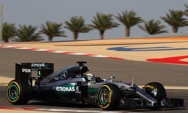 Hamilton nyerte a Bahreini Nagydíj időmérőjét