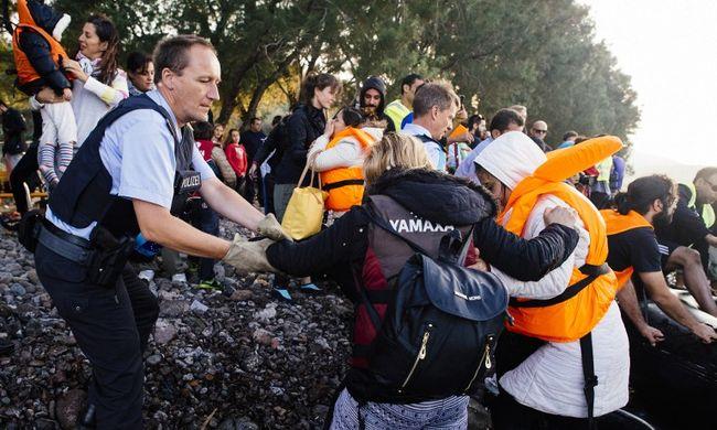Nagyon visszaesett a Görögországba érkező migránsok száma