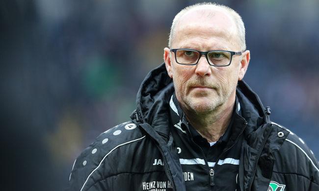 Kirúgták Szalaiék edzőjét, szinte reménytelen a csapat helyzete
