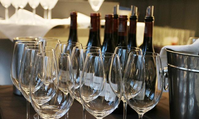 Borzalmas veszteség: 400 ezer üveg bor oda!