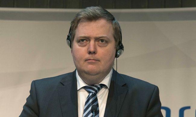 Kivonult az interjúról az offshore-botrányba keveredett miniszterelnök - videó