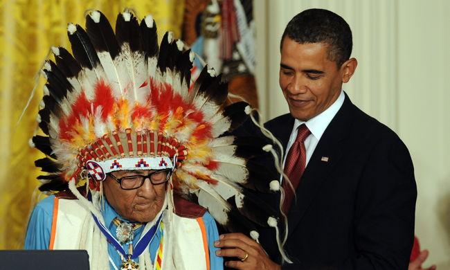Meghalt a varjú indiánok utolsó háborús törzsfőnöke
