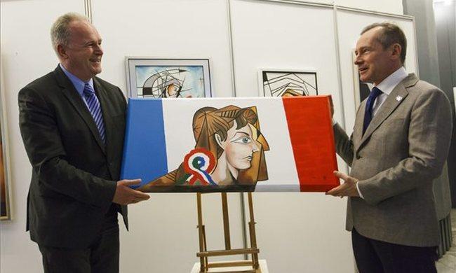 Magyar-francia festmény készült a párizsi merénylet áldozatainak emlékére
