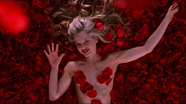 Háromszor annyi a meztelen nő a filmekben, mint a férfi