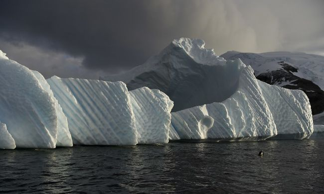 Durva viharok miatt olvad a sarki jég