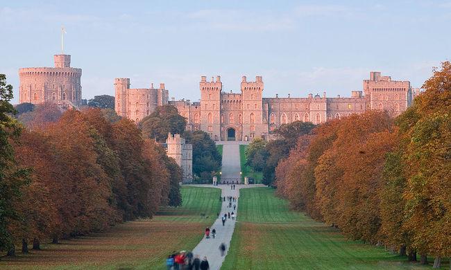 Látogatóbaráttá alakítják a brit királyi rezidenciákat