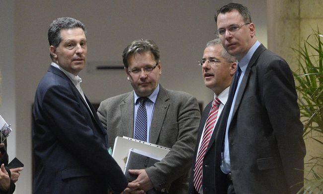 A terrorvészhelyzettel kapcsolatos alkotmánymódosításról egyeztettek