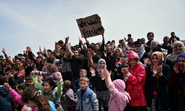 Inkább öngyilkosok lennének a migránsok, minthogy kitoloncolják őket az EU-ból