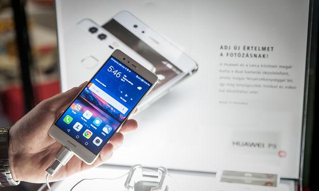 Megtapogattuk Scarlett Johansson kedvenc telefonját - Magyarországon a Huawei P9