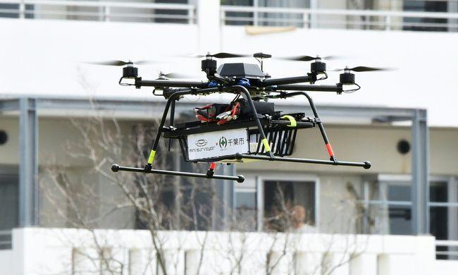 Először tesztelik a csomagszállító drónokat városban