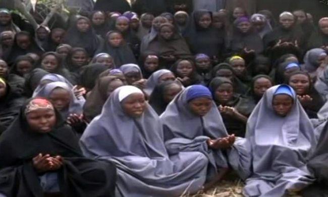 Két és fél év után szabadultak a terroristáktól a lányok