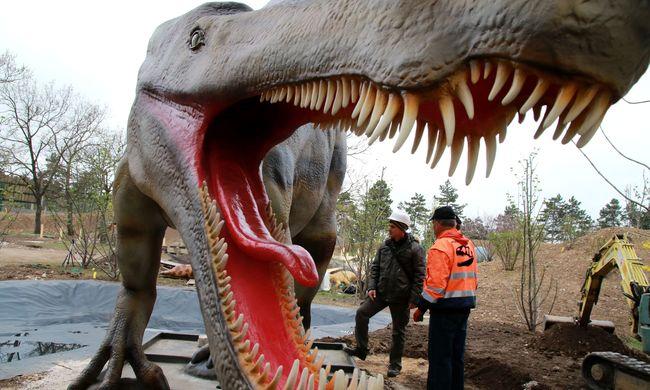 Őslénypark nyílik a veszprémi állatkertben