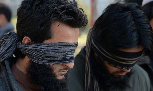 Még a tálibok is menekülnek a visszatérő Iszlám Állam kegyetlensége elől
