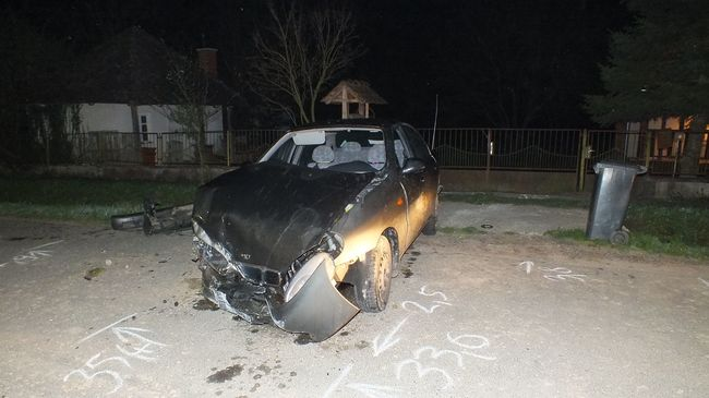 Kőhídnak ütközött a lopott kocsival a részeg sofőr