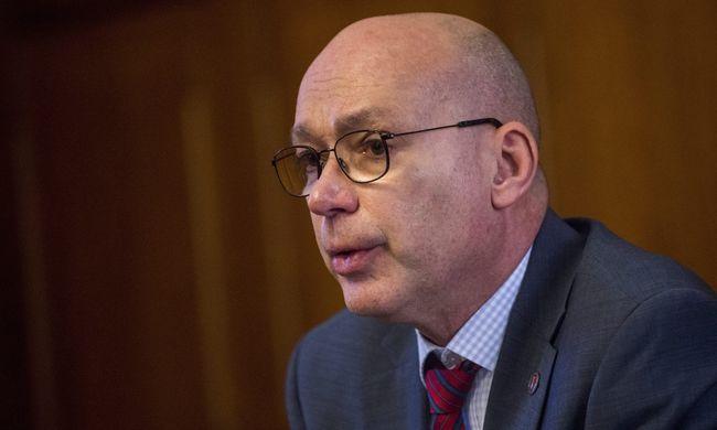Péterfalvi: az MSZP aláírásgyűjtése tisztességtelen