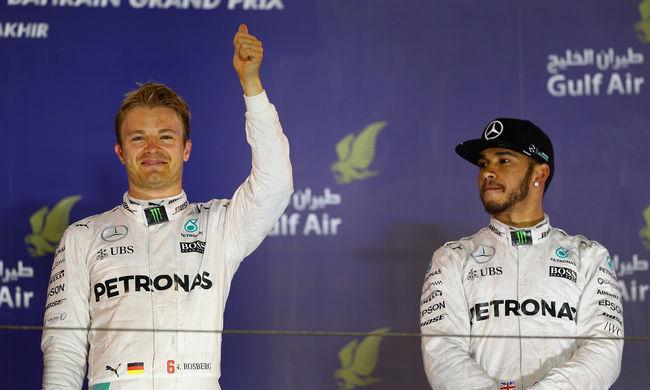 Hamilton most egy számla miatt esett neki Rosbergnek