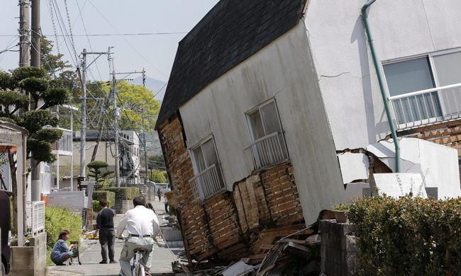 Még vannak a romok alatt, nincs áram földrengés miatt