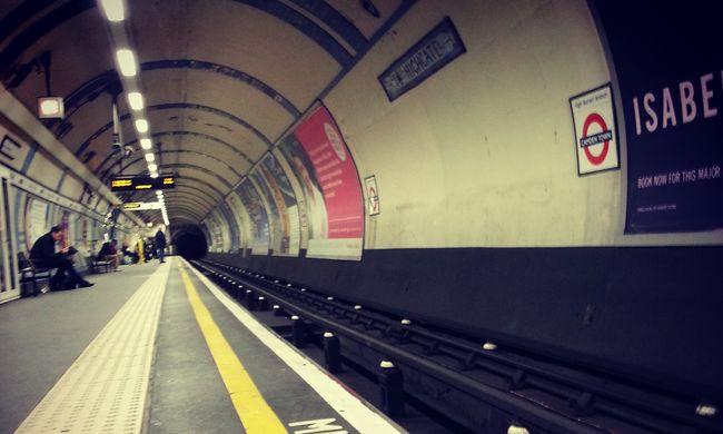 """Meghalt a metró """"hangja"""""""
