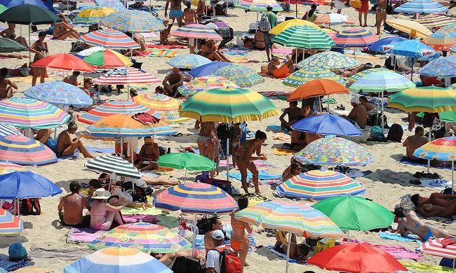 Európai tengerparti üdülőhelyeket támadhat meg az Iszlám Állam