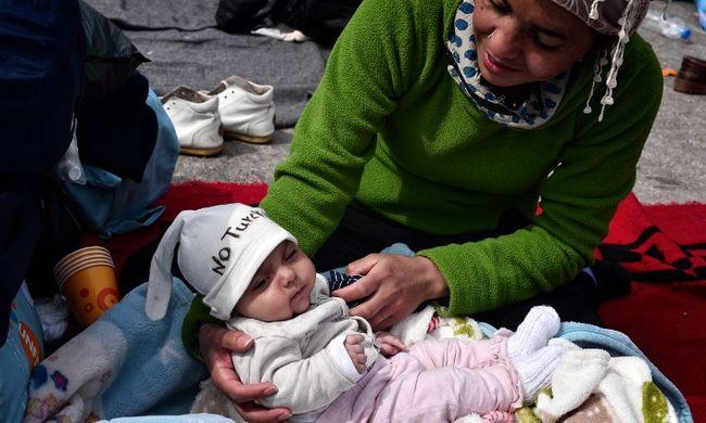 Nagy-Britannia háromezer migránsgyereket fogad be az évtized végéig