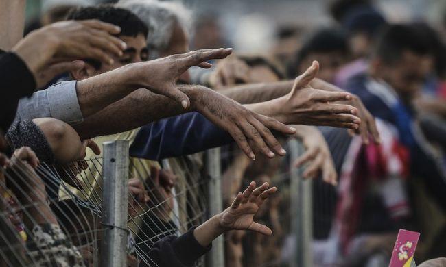 Pert indítottak a migránsok az EU-török egyezmény ellen