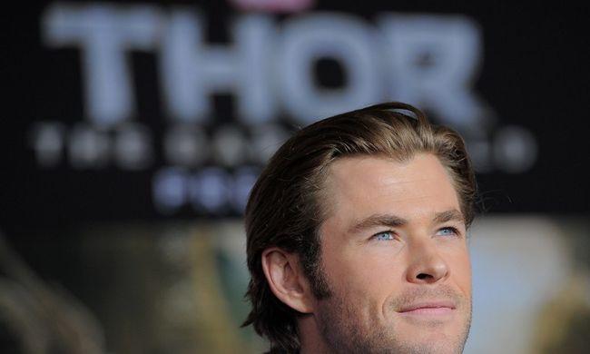 Megtalálta Thor pénztárcáját, meglepő ajándékokat kapott - videó
