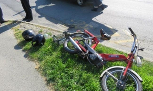 Két motoros ütközött, egy idős férfi megsérült