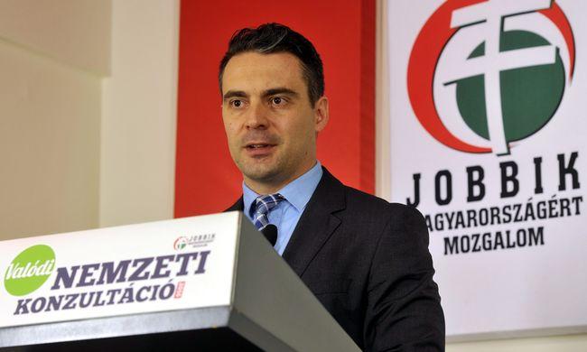Durvul a háború a Jobbikban: Lemondásra szólították fel egymást az elnökség tagjai - Hangfelvétel