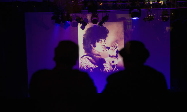 """""""Igen, ez Prince"""" - így hívtak segítséget az eszméletlen popsztárhoz"""