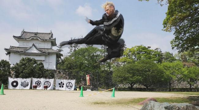 Itt az első nindzsa, aki nem japán, mégis ezért kapja a fizetését - videó