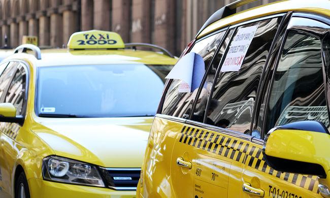 Megverte utasát a taxis: egy doboz sör miatt szabadultak el az indulatok
