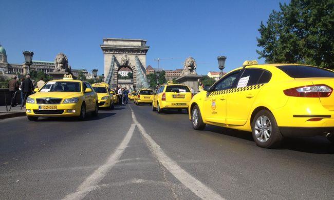 Véget ért a taxisok tüntetése