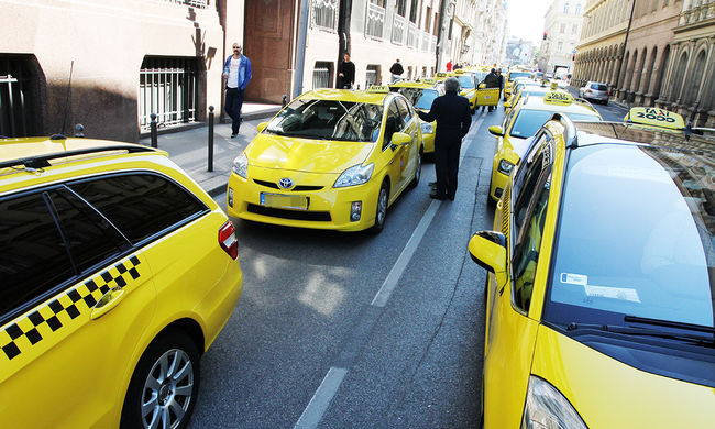 Leleplezték a taxisokat: aljas trükkökkel verik át az utasokat