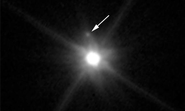 Törpebolygó körül keringő holdat fedeztek fel