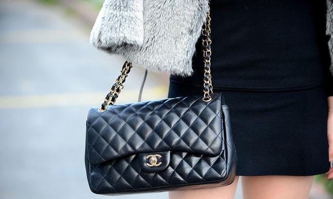 Terepjáróval rabolták ki a Chanel egyik üzletét