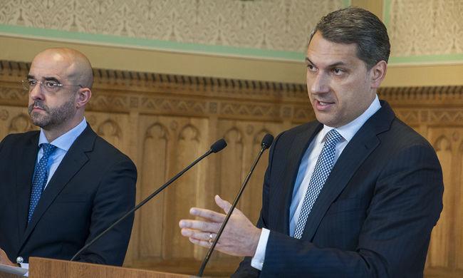 Lázár: A magyarok döntsék el, ki élhet az országban