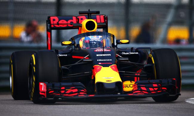 Forma-1: így néz ki a Red Bull szélvédője menet közben - galéria