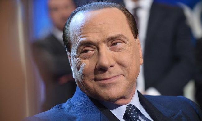"""Megvásárolta a """"rossz lányok"""" hallgatását Berlusconi, nyomozást indítanak ellene"""