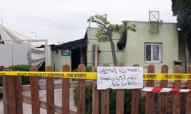 Felgyújtottak egy muzulmán imaházat Korzikán