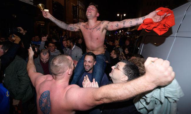 Így ünnepeltek a Leicester szurkolói tegnap este - képgaléria